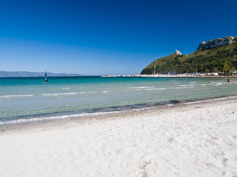 Poetto beach (only 100 meters from the flat)