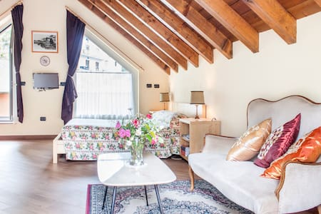 B&B in mansarda,terrazzo panoramico - Bed & Breakfast