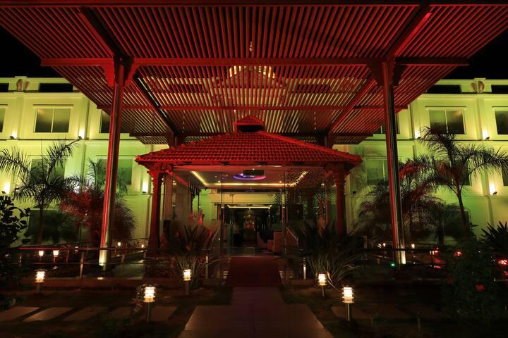 Jalmahal resort & spa