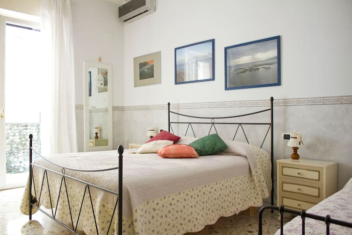 nice 3beds apartment near centrum - Napoli - Daire