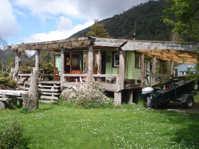 Wildside Lodge