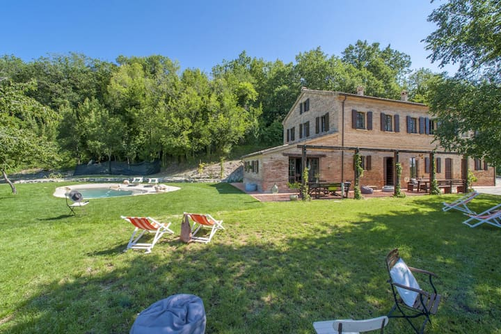 Welcoming VIlla in Montefelcino with Swimming Pool