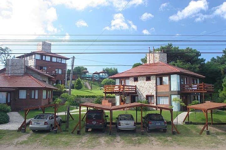 Comodas cabañas en Villa Gesell - Villa Gesell - Chalet