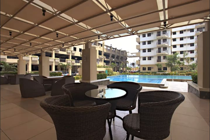 Cypress Towers Double Bed Swimming Pool Kitchen A - Taguig - Selveierleilighet