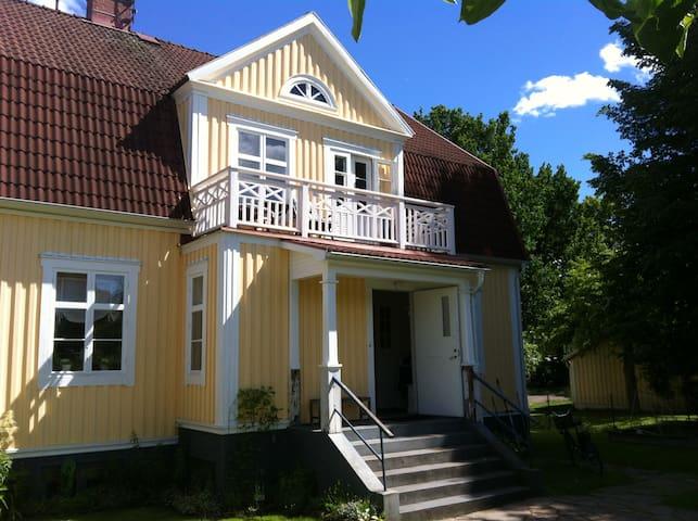 Vackert hus centralt i Karlstad - Karlstad - Villa