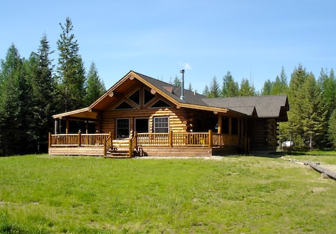 The Nest - A log home on Lake Creek
