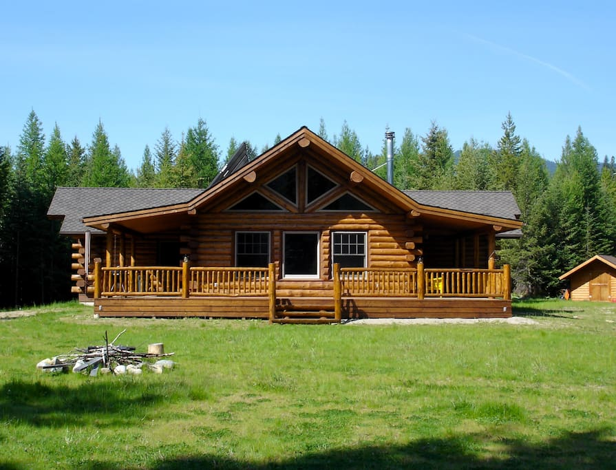 Privacy and seclusion, but only 3 miles from town.