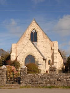 Chapel with Seaviews - St Davids - Casa