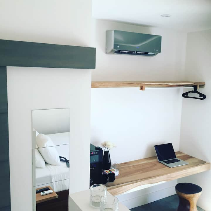 Beach studio Tuis - kingsize bed
