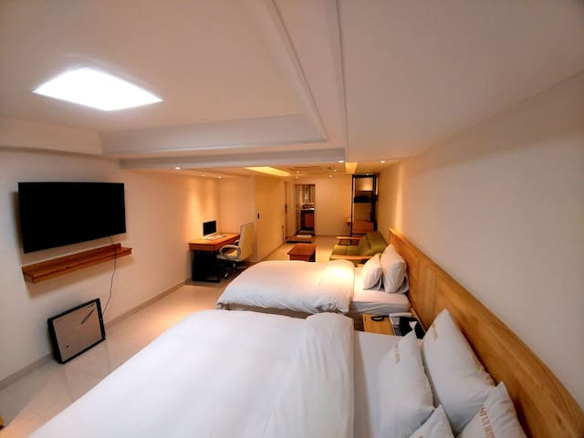 Suwon IY Hotel Deluxe Twin(최대3인)