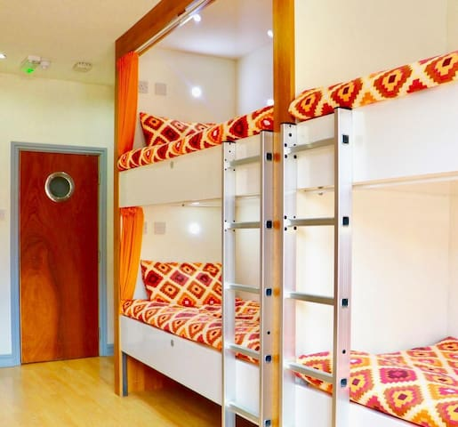 1 Bed in Mixed Superior Deluxe - Room 4