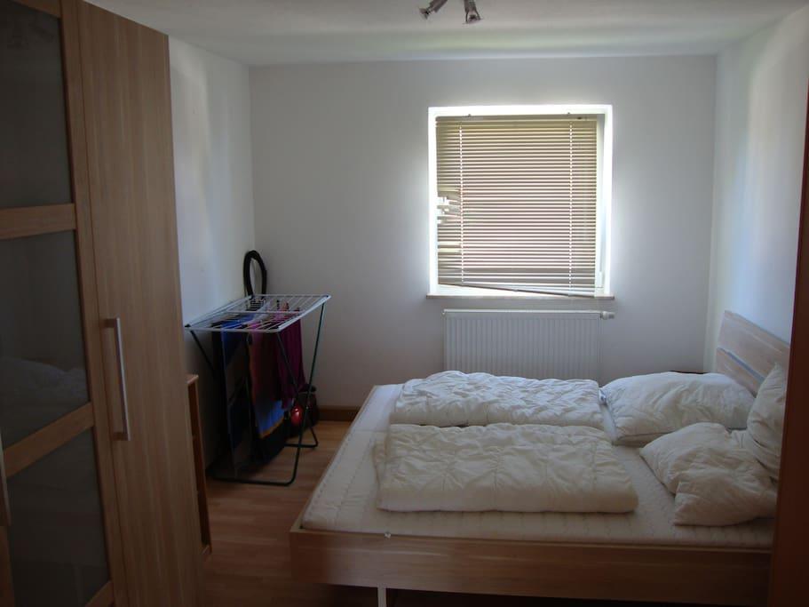 Das große Schlafzimmer inkl. Schrank