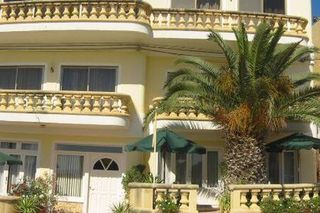 17. Studio airconditioned in Xlendi nice terrace