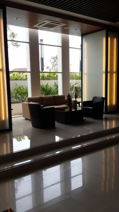 this too also same, the main lobby at ground floor, to meet the guest.