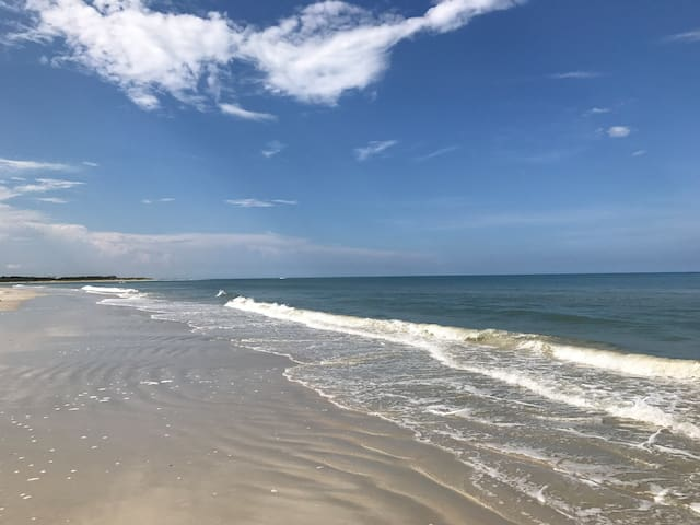 Daytona Beach 🏖- NO WEEKEND RATE BOOST!