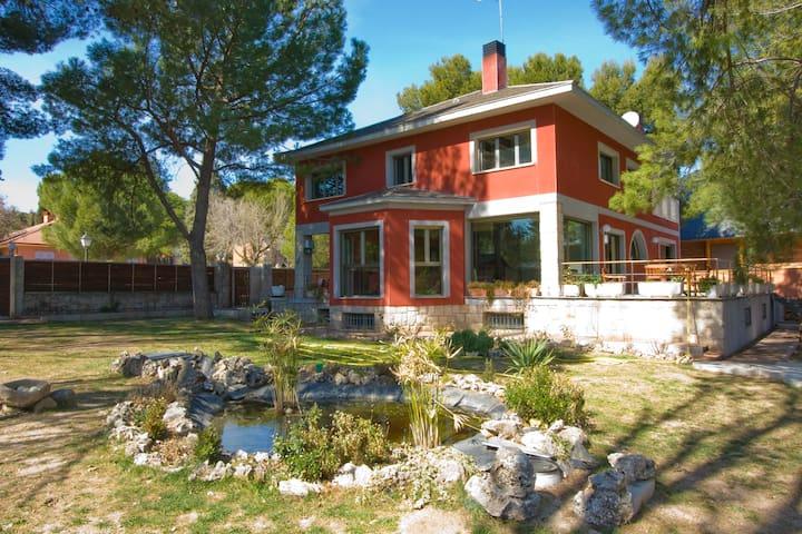 Chalet a 15 mn de Madrid - Los Berrocales del Jarama - House