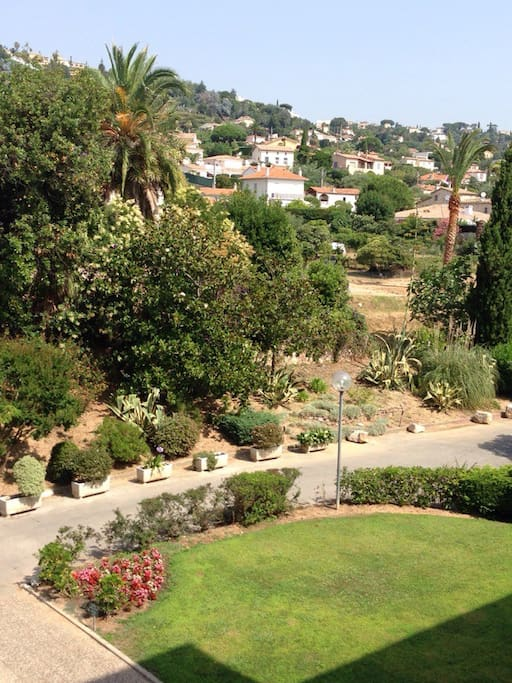 Jardin avec parking dans résidence sécurisée
