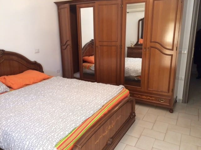 Couple flat in a Medieval town in south of Italy! - Pisticci - House