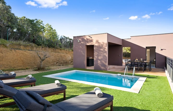 Wonderful villa with pool at the heart of the bush in Porticcio - Welkeys