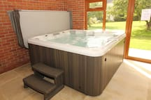 Hot tub, 7 seater, inside swimming pool building