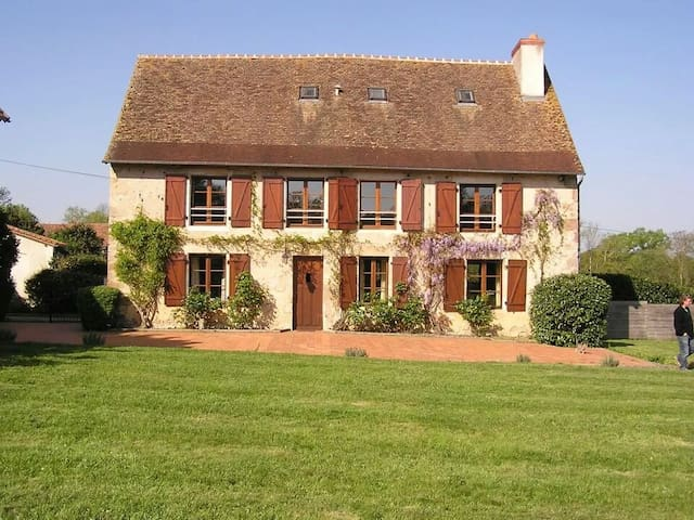 Rural Gite - Saint-Léomer - House