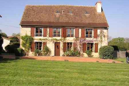 Rural Gite - Saint-Léomer - Casa