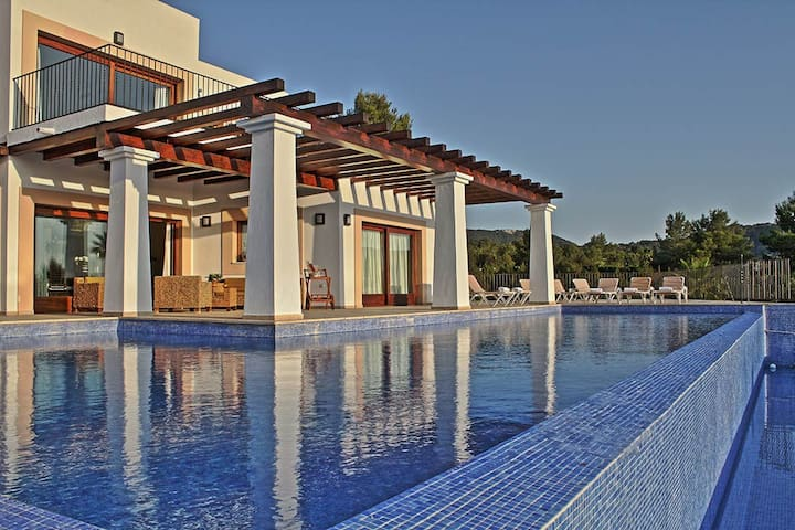 Luxury house & pool and great views - Sant Josep de sa Talaia