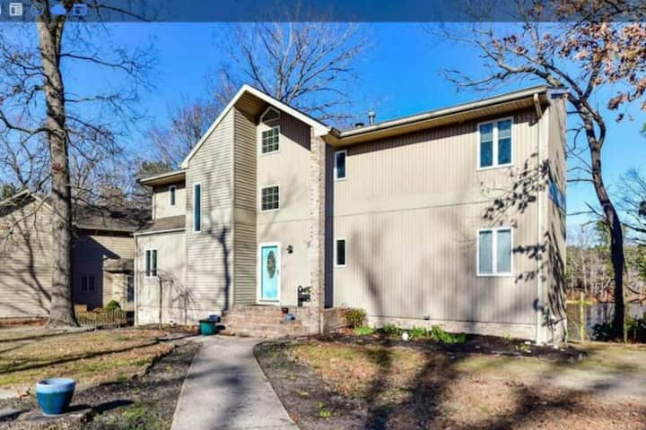 Beautiful, renovated home on pond and mins from OC
