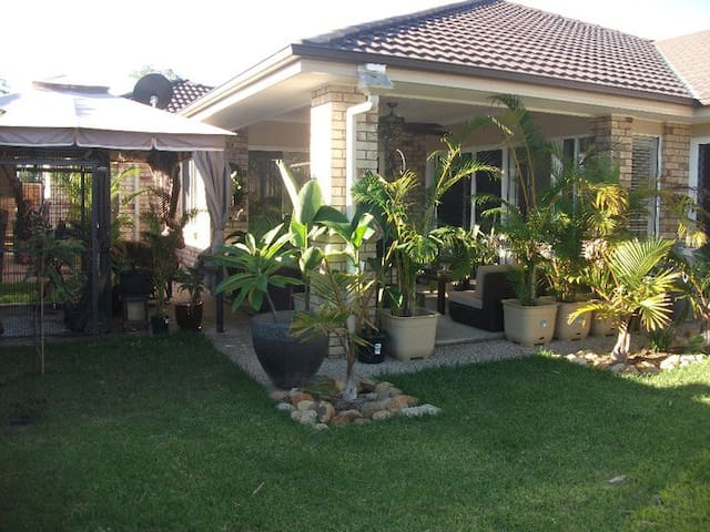 Tranquil Queensland Escape For You! - Fernvale - House