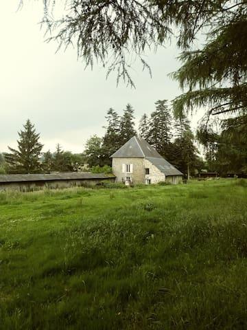 Quaint Tower Cottage