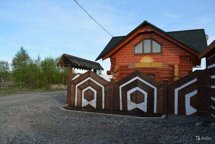 """Гостевой Дом в Карелии на """"Медовом Ранчо"""" оз.Онего"""