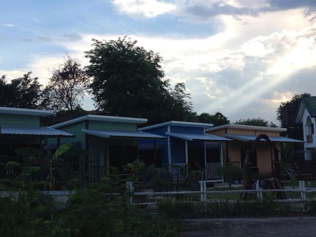 Villa Guest house large bungalow with kitchen