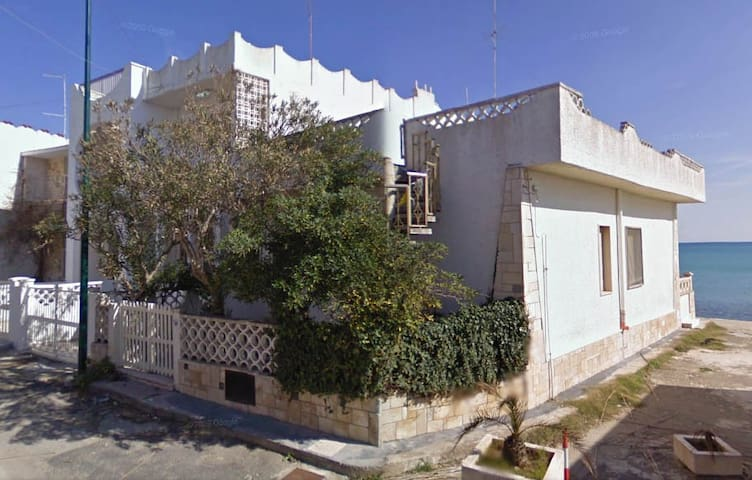 House on the sea in Salento - Torre San Gennaro