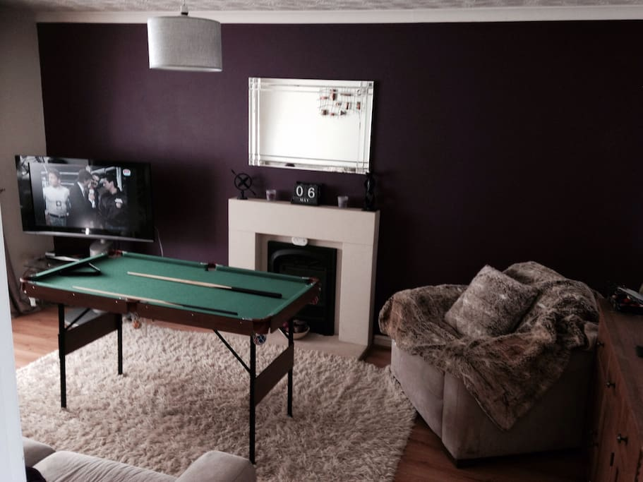 Pool , Snooker and Darts games.Cosy Living Space