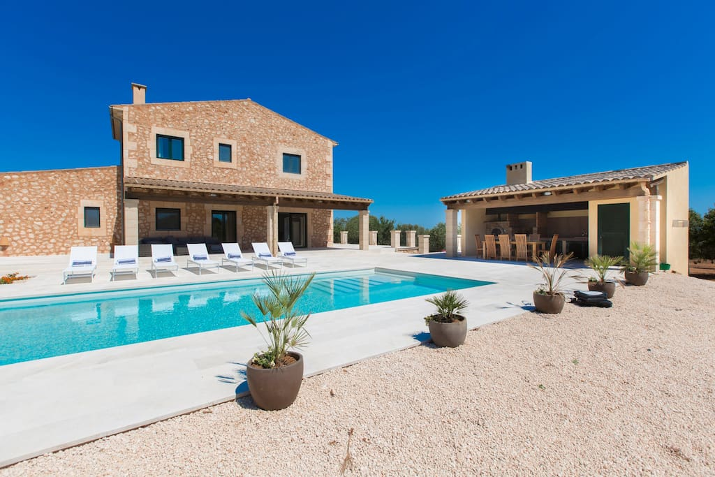 great outdoor space to enjoy the sun of Majorca in privacy and tranquility