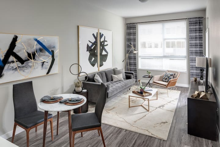 Upscale 1 BR Apartment in Cherry Creek