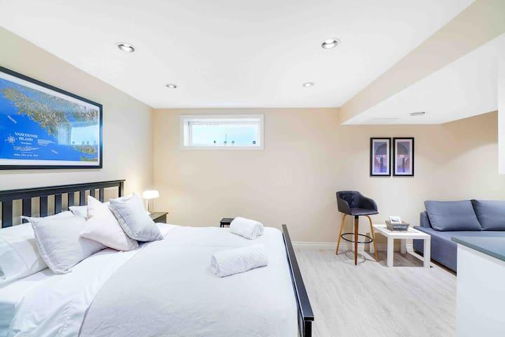 Lovely Suite near Marda Loop