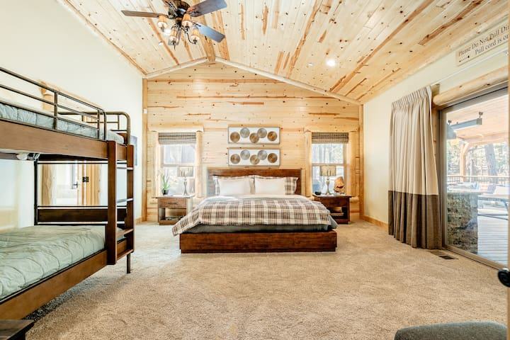 King Master Suite with bunks