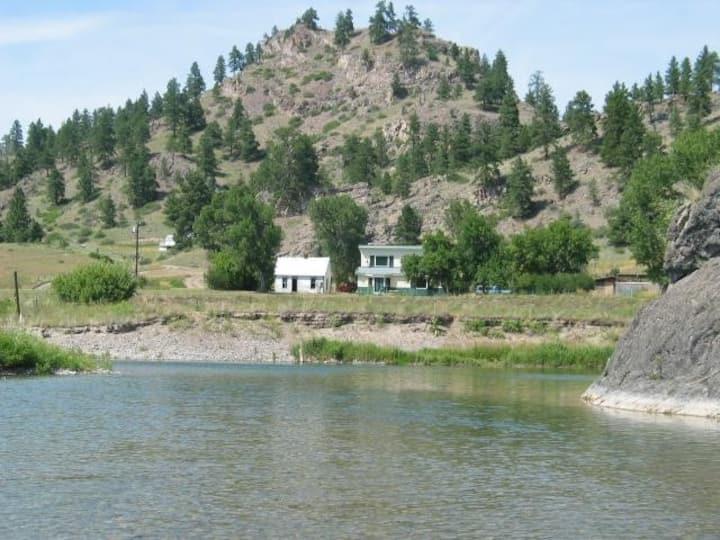 Life is Good Lodge Montana