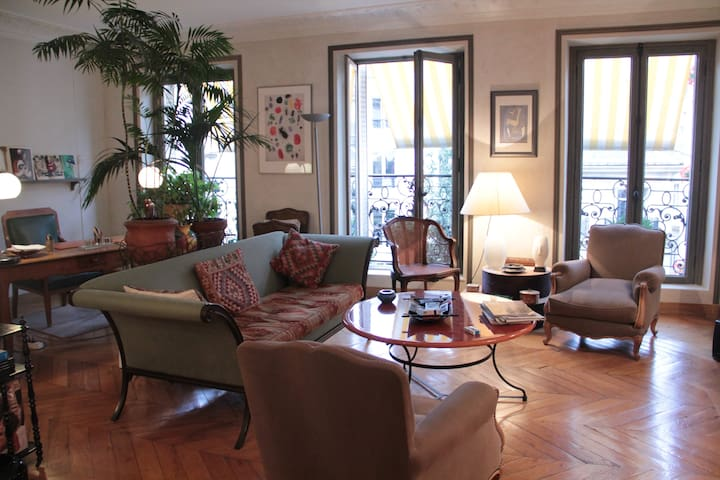 Rent a 130 m2 elegant apartment