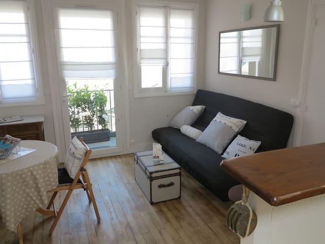 Nouveau studio malouin lumineux calme intra muros - St-Malo