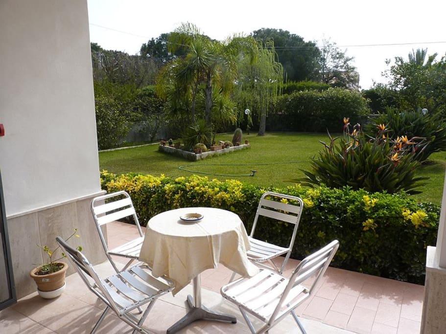 veranda e vista sul giardino