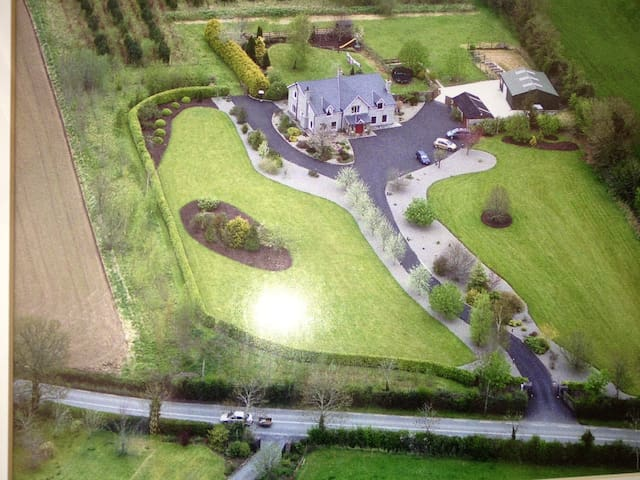 OLDGRANGE, Large country house in Co Kildare