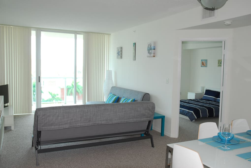 Nice 2-BR apartment in Sunny Isles