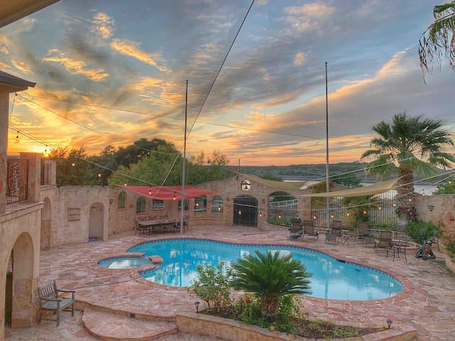 Luxury Adult Only Waterfront Home w Pool Spa