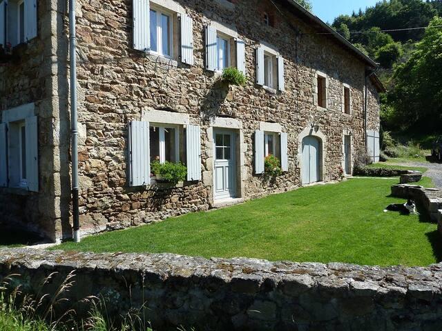 Superbe ferme en Auvergne