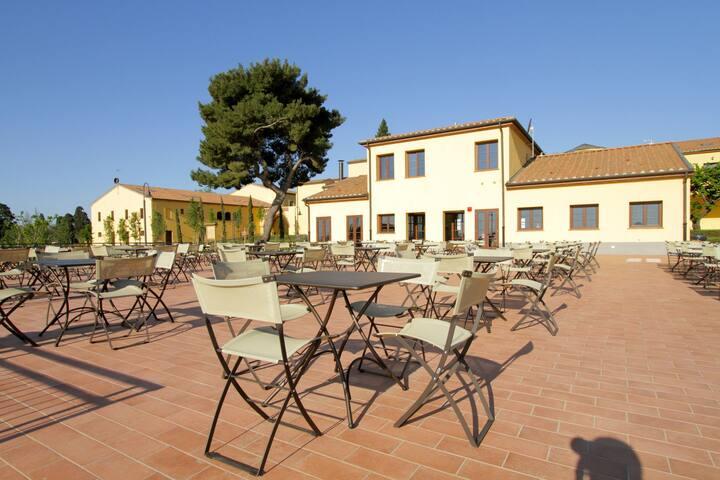 Estudio elegante con aire acondicionado, cerca de la costa de la Toscana