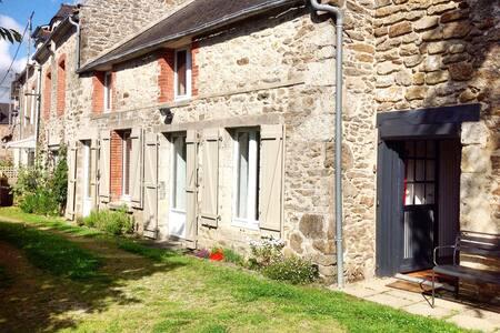 Chambre indépendante dans grande longere-Lancieux - Lancieux - Casa
