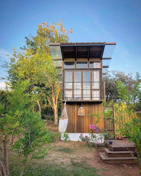 BaezHaus treehouse  FINCA VICTORIA Farm/guesthouse