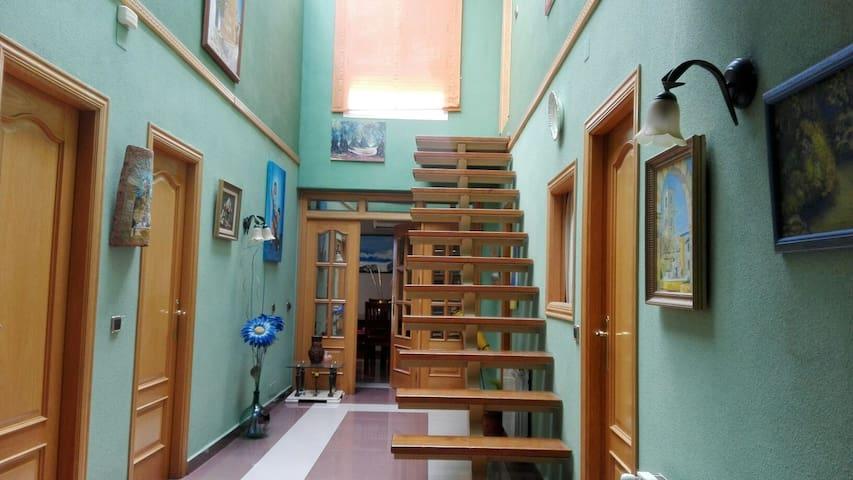 Casa muy amplia y luminosa en la Sierra de Segura - Torres de Albánchez - House